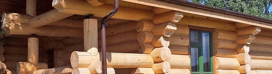 дом из рубленного вручную бревна